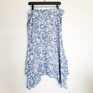 NWT handkerchif skirt blue white floral flowy